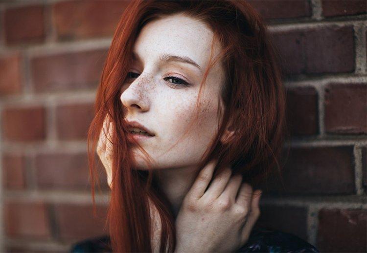 Как правильно сделать макияж девушкам с веснушками