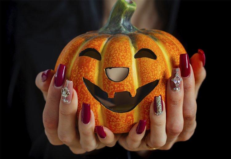 Уроки модного дизайна ногтей на Хэллоуин
