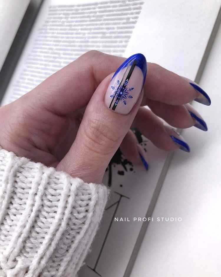синий френч со снежинской