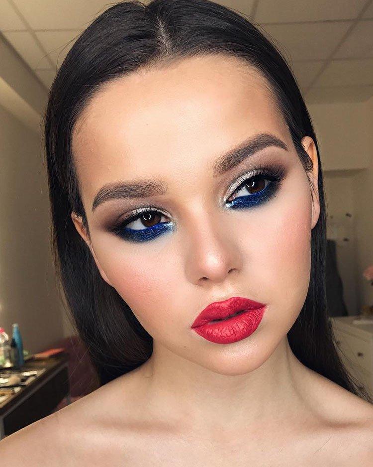 макияж с синей подводкой