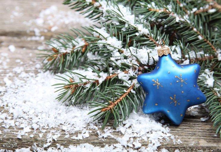 искуственный снег на елке
