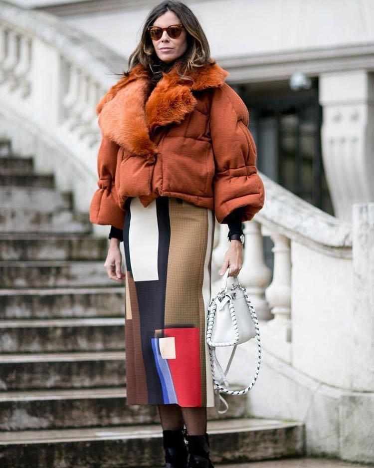 укороченный пуховик куртка оранжевая с мехом