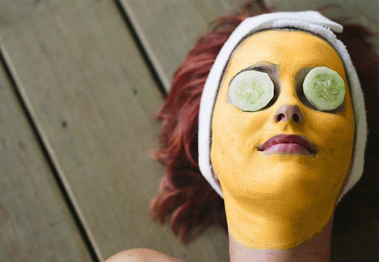 ТОП-5 омолаживающих масок для лица с лифтинг-эффектом