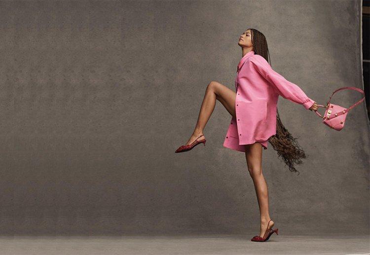 Розовая рубашка оверсайз – эффектный тренд теплого сезона