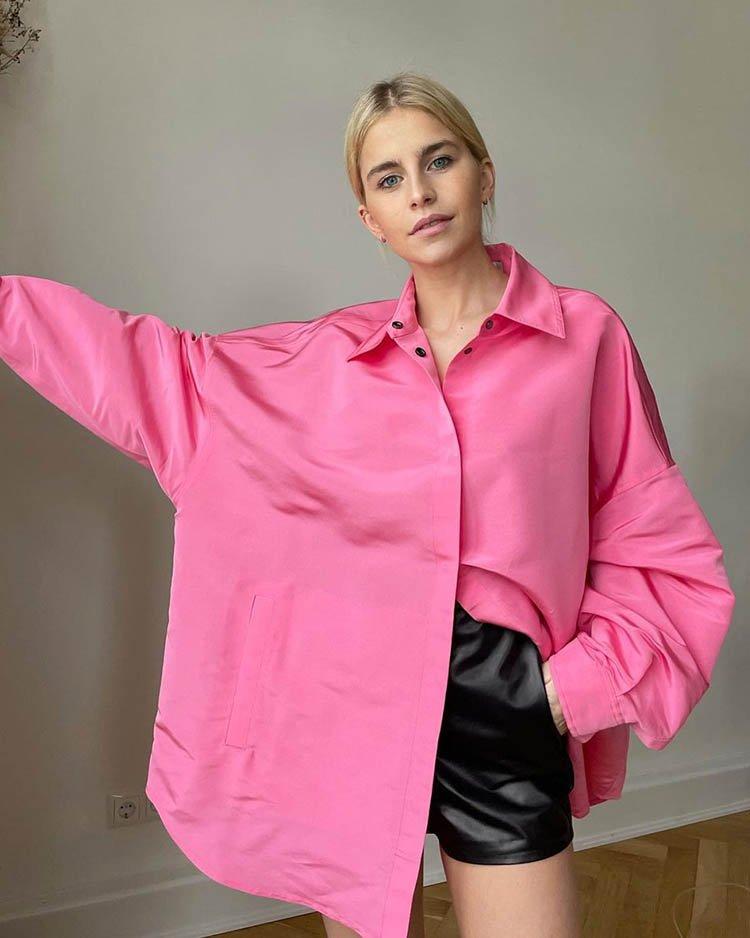 модная розовая рубашка свободного кроя