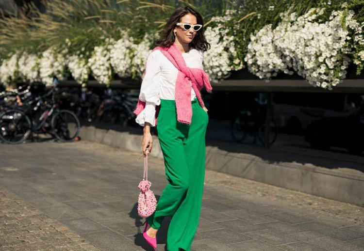 сочетание розового оттенка с зеленым и белым