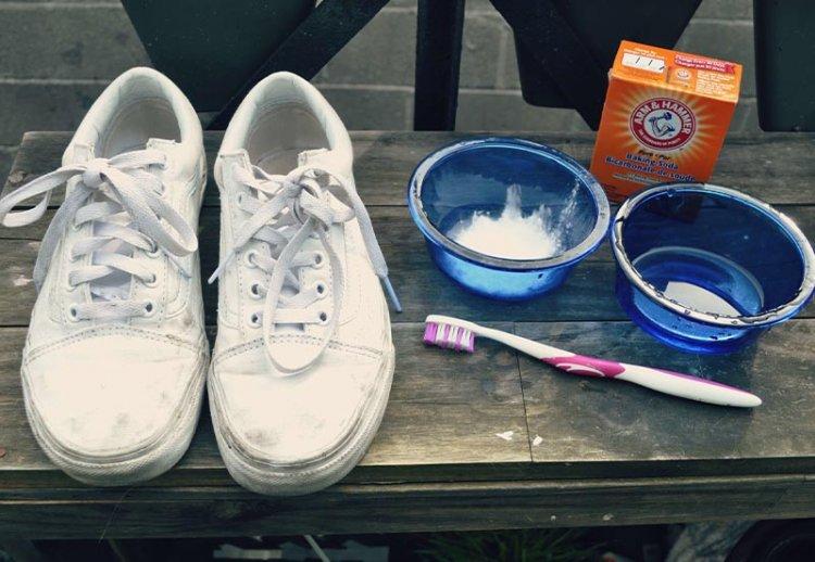 как отбелить белые кроссовки из ткани