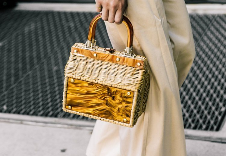 Плетеные сумки 2021 – главный тренд летнего сезона