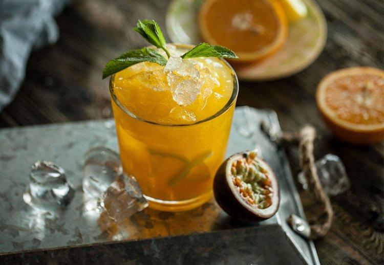Коктейль ананас-маракуйя