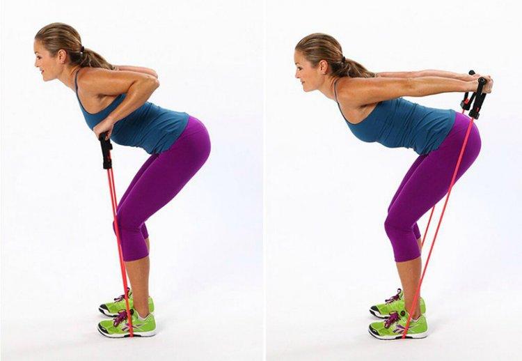 Упражнения на плечи и руки с резинкой