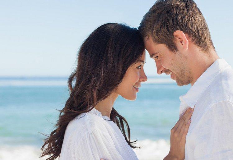 10 главных признаков, что вы нравитесь мужчине по-настоящему