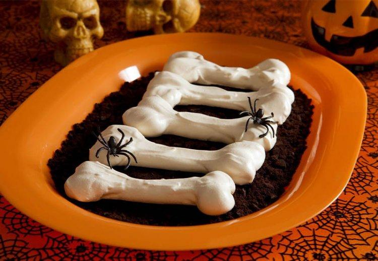сахарные кости на Хэллоуин