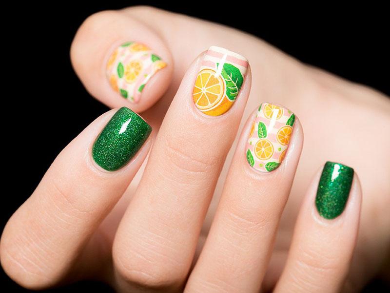 маникюр с фруктами на короткие ногти